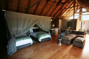 Luxury_Tent_with_Twin_bed_configuration